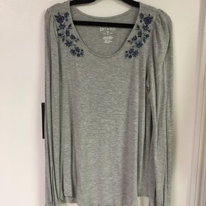 American eagle grey long sleeve